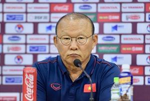 """Đáp trả phóng viên Thái Lan, thầy Park """"hé lộ"""" tương lai của Quang Hải"""
