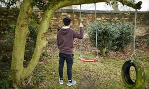 Gian nan của cậu bé Việt bị bắt làm nô lệ trồng cần sa ở Anh