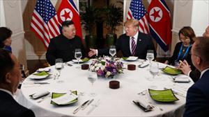 Ý nghĩa hội nghị Chủ tịch Kim - Tổng thống Putin: Không thành với Mỹ, Triều Tiên vẫn còn có Nga?
