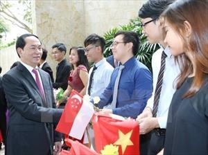Chủ tịch nước gặp mặt cộng đồng người Việt tại Singapore