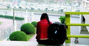 Người trưởng thành khóc: Cuộc sống bây giờ cô đơn quá...