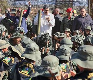 Quân đội Venezuela được đặt trong tình trạng báo động tại các khu vực biên giới