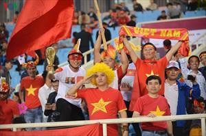 """CĐV Việt Nam biến Mỹ Đình thành """"chảo lửa"""" tiếp đón ĐT UAE"""