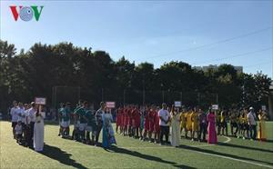 Khai mạc giải bóng đá cộng đồng người Việt tại Nga