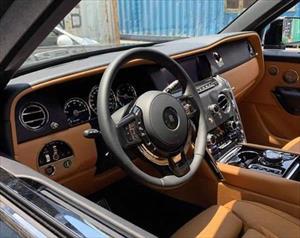 Siêu SUV Rolls-Royce Cullinan thứ 5 cập bến Việt Nam, đẳng cấp với 4 ghế ngồi chuyên biệt