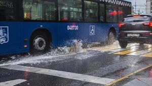 Moskva có mưa giông, sấm sét, nhiều tuyến đường bị ngập úng