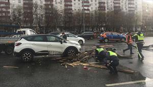 Moskva và các vùng miền gắng gượng phục hồi sau cơn bão